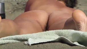 NUDE BEACH HAIRY BUTT