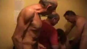 Mature wife give blowjob in old men gangbang