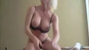 Keri Lynn Busty Mommy blisses his agitated dick Video