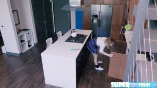 Aubrey Sinclair gets bang in her pussy