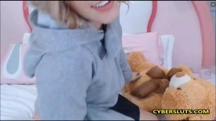 Cute blonde has big ass