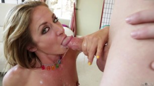 Throated Alluring blonde deepthroat and then she swallows