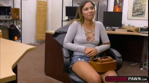 Mariah worships a pawndudes dick for money