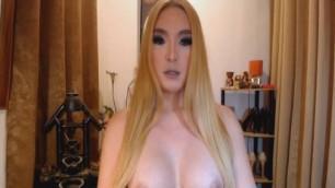 Horny Tranny Masturbates her Hard Shaft