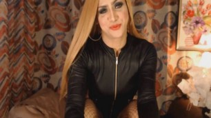 Hot Blonde Tranny Plays her Tight Hole