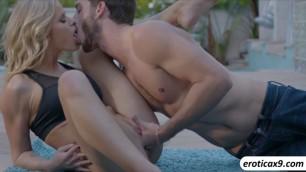 Lesbians Shyla Jennings and Jenna Sativa loves licking pussies