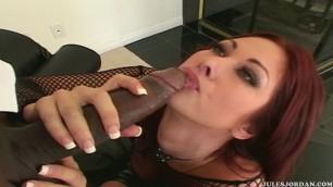Tiffany Mynx gets a ebony dick in her butt