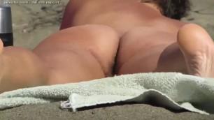 NUDE BEACH HAIRY BUTT