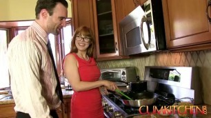cumshot KITCHEN Slut Penny Pax Gets Fucked With A Thick Dick While Cookingq