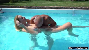 Lulu Love sucks off an old cock in pool