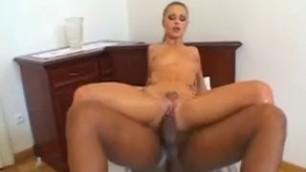 Liliane Tiger Pussy Fun