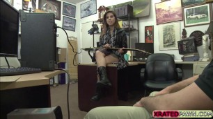 Lilith Shayton fucks on the table for cash