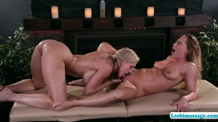 Teen Carter and MILF Brandi enjoys hot 69 pussy licking