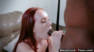 Alice Coxxx gets fucked by her therapist