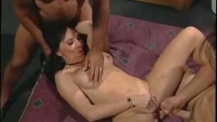 Porn slut Rayveness double penetrated and given 2 facials