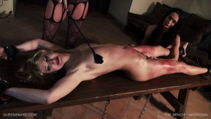 The Bench Nazryana The naked girl is beaten to the blood