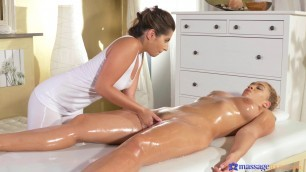 Amy Red And Briana Bounce First time massage for lesbian