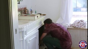Teen Davina Davis fucks her horny botyfriend on the bed