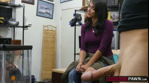 Latina Jessi enjoys a hardcore sex in the pawnshop