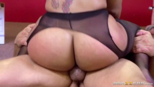 Big Ass And Stunning Latina Babe Mary Jean Gets Fuck By Office Cleaner