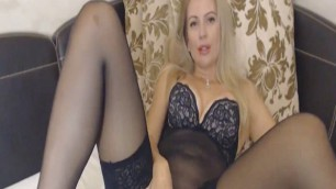 Sexy Hot Busty Babe Suck and Fuck a Dildo