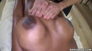 Nyomi Banxxx in Massage Table Is His Playground