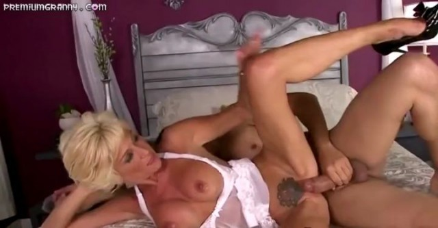 Blonde Granny with a perfect body gets fucked