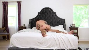 Ivy LeBelle and Manuel go from photos to the bedroom