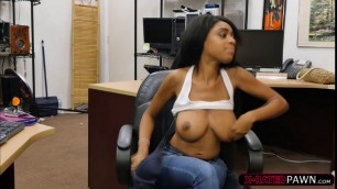 Busty ebony Brittney White serves Shawns dick with a bj
