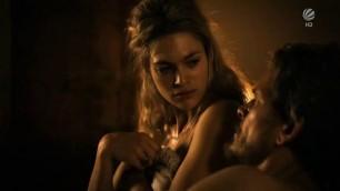 Seductive Julie Engelbrecht nude Das Vermaechtnis der Wanderhure 2012