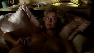 Sexy Woman Annette Bening nude The Grifters 1990