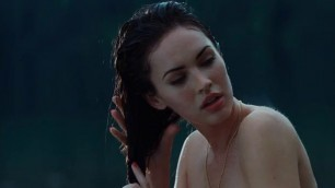 Megan Fox sexy Amanda Seyfried sexy lesbian and sex scene Jennifers Body 2009