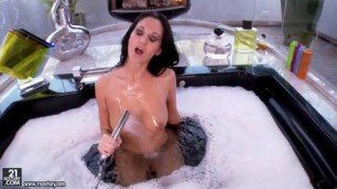 Ava Addams High Class MILF Jacuzzi Mast bodily pleasure