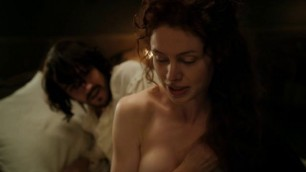 Shy Woman Sarah Winter nude - Casanova s01e01 (2015)