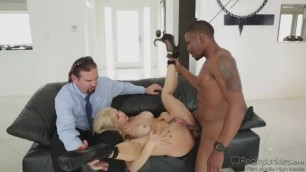 Cuckold white blonde hot white Sarah Vandella fucks a BB