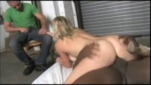 Women Gets Oil Change In Garage. Her Man Pays The Bill