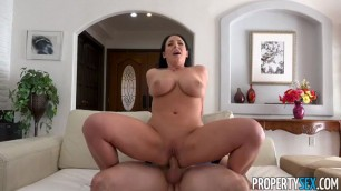 Big Boobs Woman Angela White Putting Out The Signels Property Sex