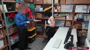 Shoplifter fucks officer for her way out