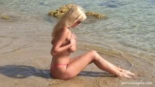 Raylene - Bikini-pleasure large busty tits