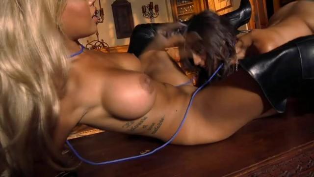 Alexis Breeze Lesbian Porn