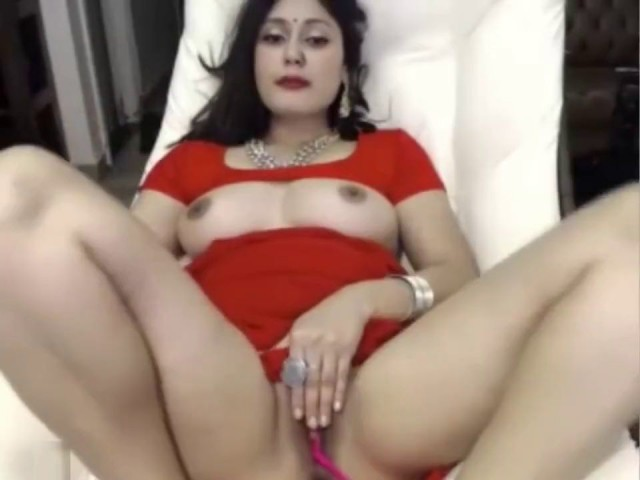 Sexhd Indian Bitch Masturbates In Saree Ohmibod Lovense