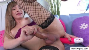 TS Andylynn Payne toyed and fisted her ass