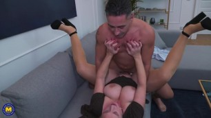 British escort anal squirting