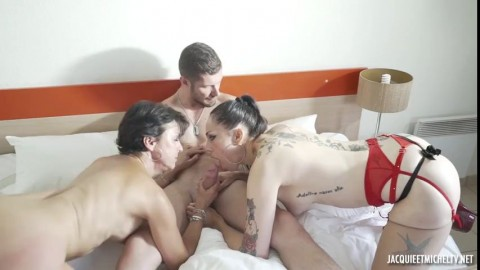 Carole Adeline Luxure Out Of Time With Carole 45 And Adeline Hd Hard Cock
