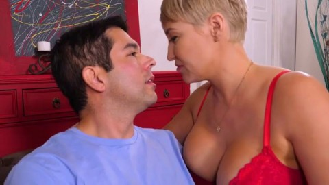 Porn boyfriend sex with Shemale and