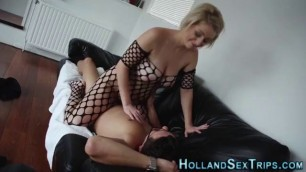 Real european ho riding mommy sucks dick