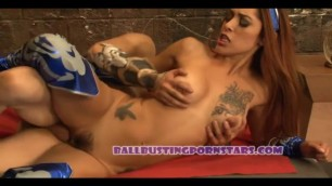 MORTAL KOMBAT COSPLAY SEX AND BUSTING WITH CRYSTAL LOPEZ