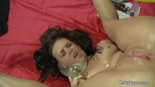 NUDE ROXY RAYE PISSED ON AND DRINKING HER OWN PISS