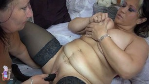 Two fat women Big tits are having a good sex session