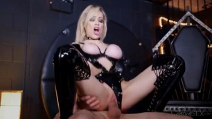 CHESSIE KAY COMPRESSION OF BOOBS WANTS HARD FUCK